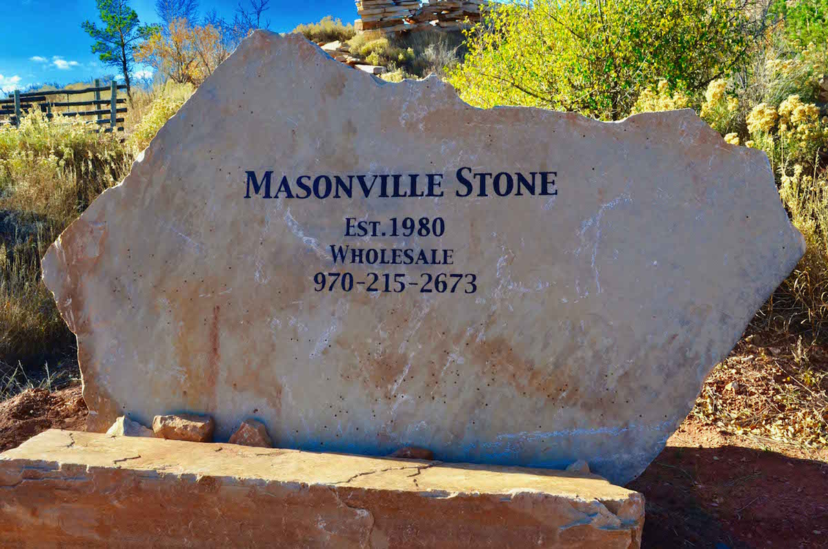 wholesale supplier of Colorado buff flagstone