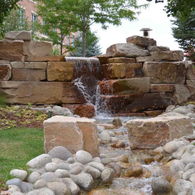 masonville_stone_landscape_boulders4
